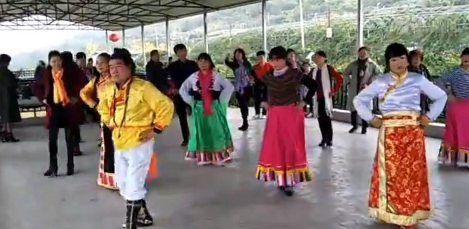 江边藏族锅庄舞风采