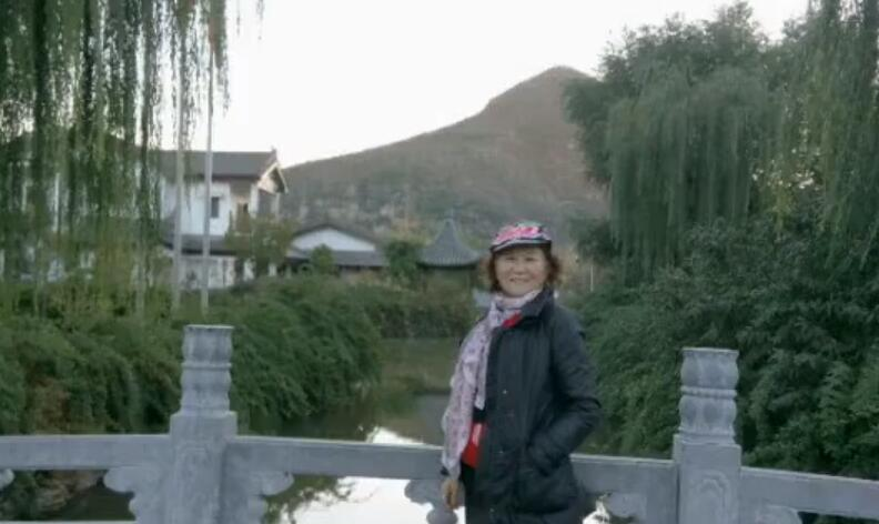 重阳节跳舞一爷爷奶奶和我