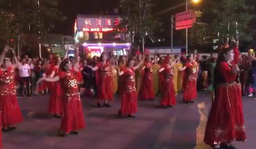 桃浦广场新疆舞晚会
