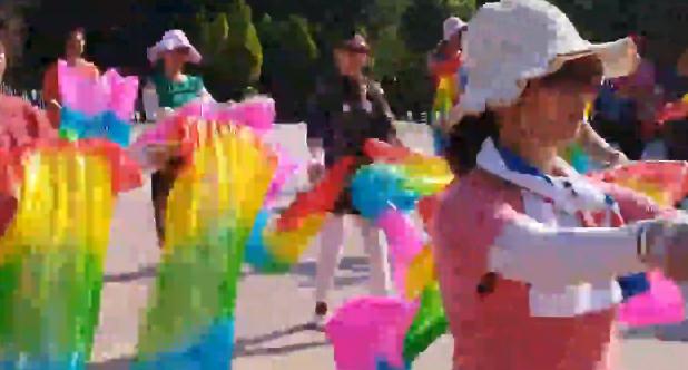 欢快的姐妹花《四川舞蹈交流群》