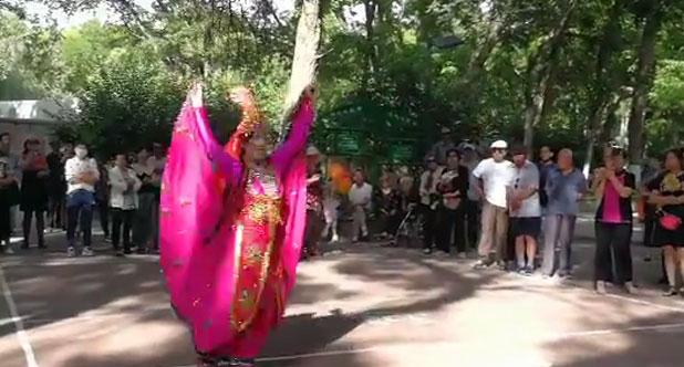 邓慧芝老师教学新疆舞