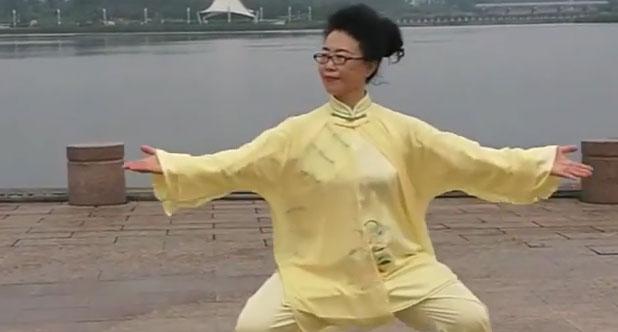 玉龙湖晨练观音拳