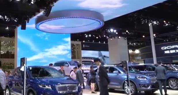【城会玩】61-上海车展不看车还有什么好玩的,最大惊喜竟是它!
