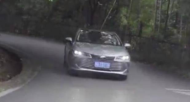 【老司机试车】胡正阳带你看丰田亚洲龙